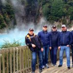 мужчины потешествие по новой зеландии